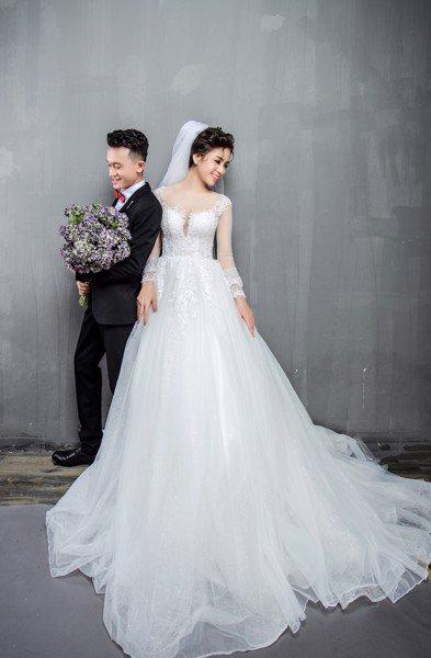 Kinh nghiệm chọn váy cưới cho cô dâu chụp ảnh cưới trong studio
